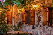Monza-House-Anadolu-Avlu